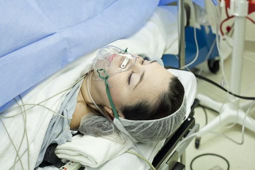 عوارض زایمان فیزیولوژیک بر جنین